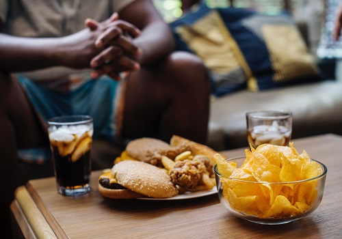 How Can Midnight Snacking Be Unhealthy?