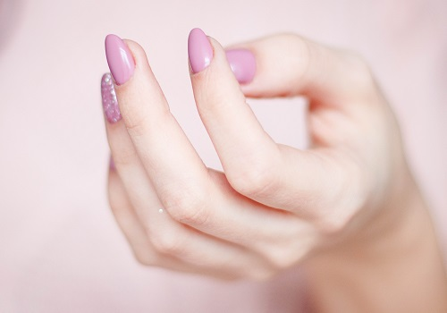Things Your Nails Point Out About Your Health